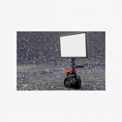 Newell LED650i 2 Light Kit LED Video Soft Light Adjustable Color 3200-5600K with Built In 2x 4000mAh Battery